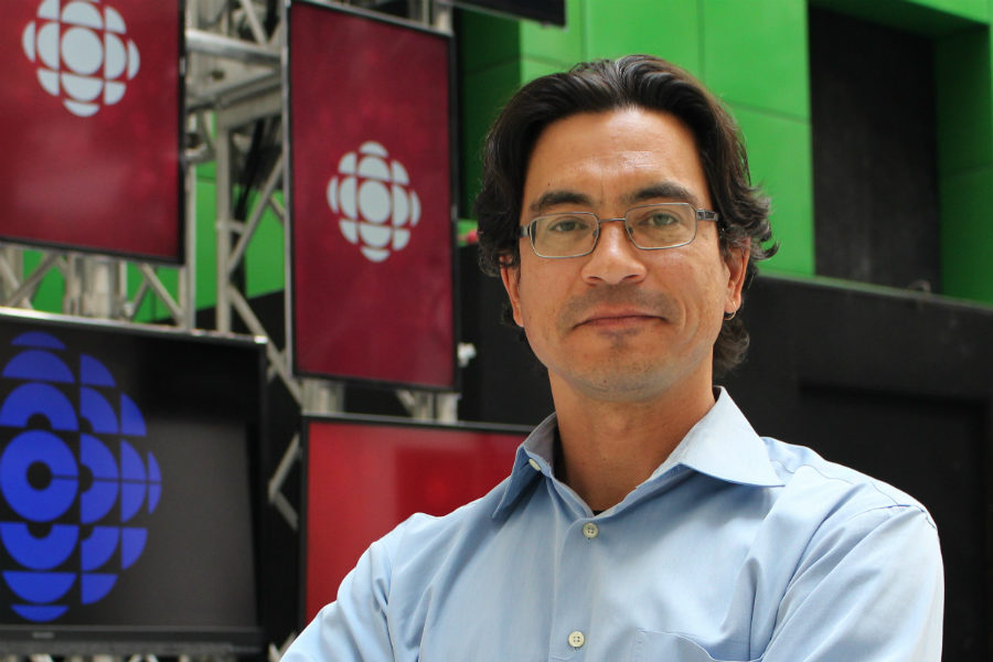 Duncan McCue, CBC journalist and the Ryerson School of Journalism's Rogers Visiting Journalist, at CBC's Toronto studio. (Jasmine Bala)